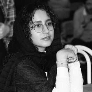 مونا میرزایی