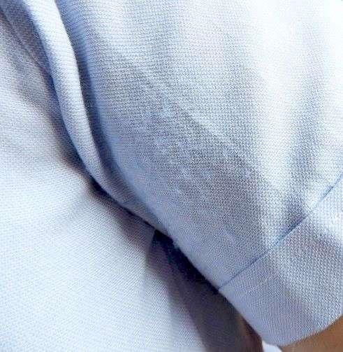 از بین بردن پرز لباس