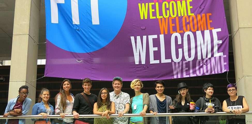 جمعی از دانشجویان دانشگاه مد FIT