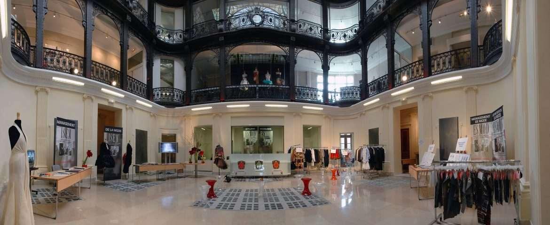 تصویری از محوطهی داخلی دانشگاه مد  Esmod