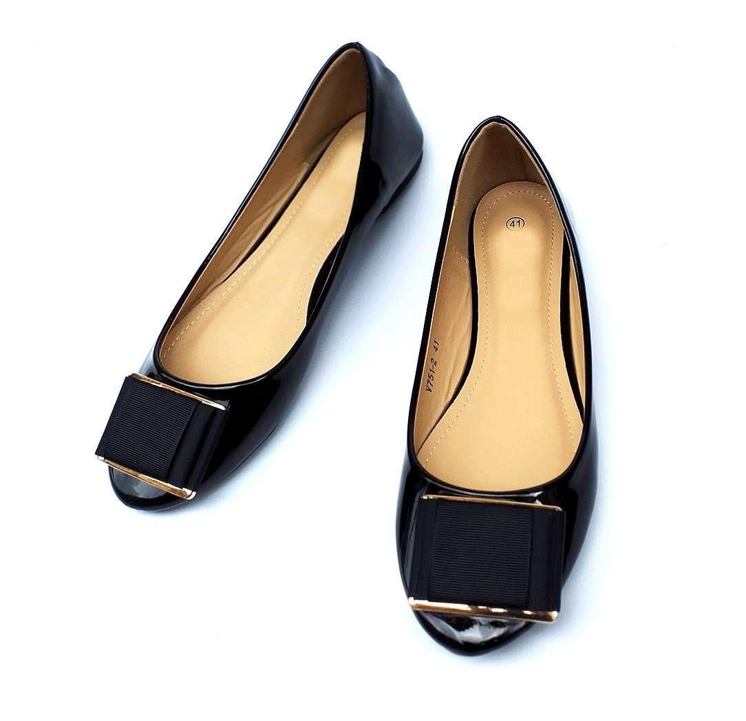 چه لباسی را با چه کفشی بپوشیم