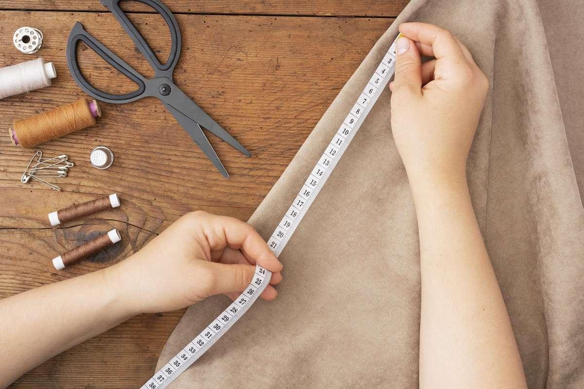 اندازه گیری پارچه با متر