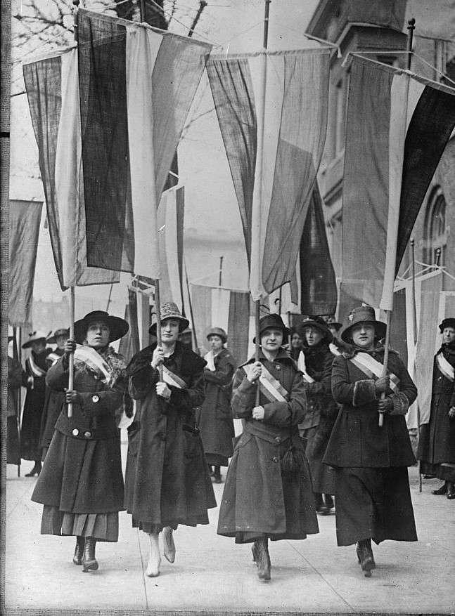 عکسی از راهپیمایی زنان اروپایی