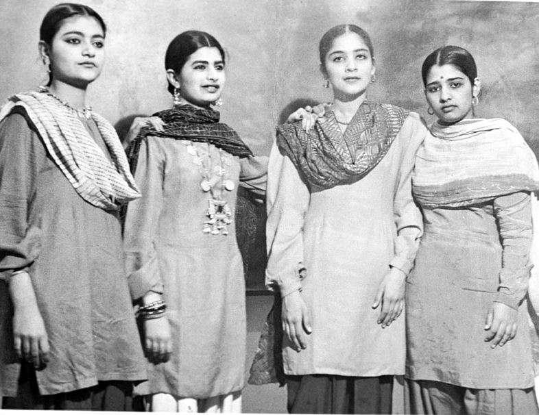 پوشش مردم پاکستان در دهه 50 میلادی